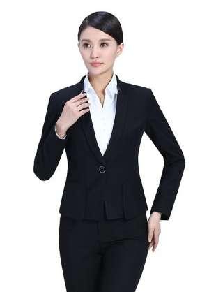 女士职业装着装的选择及搭配方式